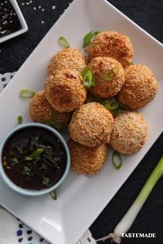 Looking for an easy appetizer this holiday season? Transform fried rice and orange chicken into these crunchy bites! by Riceland Foods Food Network Recipes, Cooking Recipes, Chicken Balls, Good Food, Yummy Food, Orange Chicken, Easy Chicken Recipes, Appetizer Recipes, Italian Appetizers