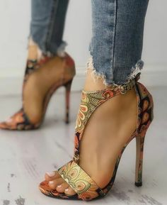 Cute Shoes, Me Too Shoes, Women's Shoes, Shoe Boots, Strappy Shoes, Fall Shoes, Top Shoes, Shoes Sneakers, Beautiful Shoes