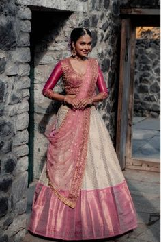 Party Wear Indian Dresses, Designer Party Wear Dresses, Indian Gowns Dresses, Indian Bridal Outfits, Indian Bridal Fashion, Indian Fashion Dresses, Dress Indian Style, Indian Designer Outfits, Bridal Sarees South Indian