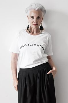 Aging Gracefully, Fashion Over 50, Gorgeous Hair, Beautiful People, Hair Color, Pure Products, Tees, My Style, Hair Styles