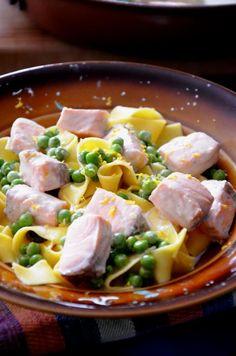 Тальятелле с лососем в лимонном соусе