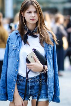 Stockholm Fashion Week #2  #modeblog #fashionblog #whaelse #fashion #streetstyle #summer #outfit #stockholm #fashionweek #travel #denimondenim #pepejeans #levis #studs #rebeccaminkoff #bandana #ipone
