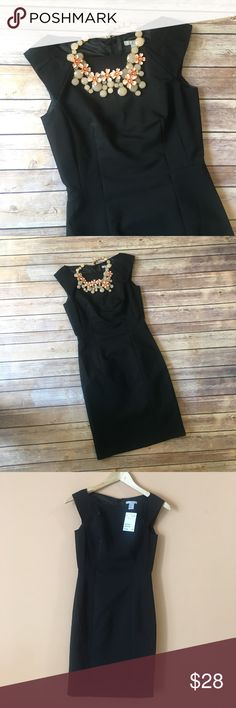 "NWT H&M Fitted Black Career Dress NWT H&M Fitted Black Career Dress. Pit to pit 15.5""/ waist flat 12.5""/ hips flat 14.5""/ length 34"" H&M Dresses Mini"