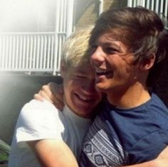 Louis Tomlinson and Niall Horan I wonder whats so funny