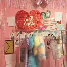 Find images and videos about pink, vintage and heart on We Heart It - the app to get lost in what you love. Aesthetic Rooms, Pink Aesthetic, Pink Lady, My New Room, My Room, Kitsch, Old Diary, Good Vibe, 12 Year Old