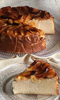 Apple cake shared by Ʈђἰʂ Iᵴɲ'ʈ ᙢᶓ on We Heart It Baking Recipes, Cake Recipes, Dessert Recipes, Apple Desserts, Chocolate Desserts, Gourmet Desserts, Plated Desserts, Cheesecake Cake, Sweet Tarts