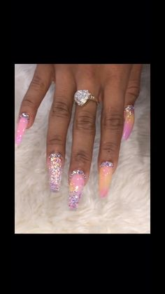 Gorgeous Trend Stiletto Nails in 2019 When it comes to nail art – everyone has her own style as well as preferences. Glam Nails, Dope Nails, Fancy Nails, Bling Nails, Bling Nail Art, Gorgeous Nails, Pretty Nails, Nagel Bling, Exotic Nails