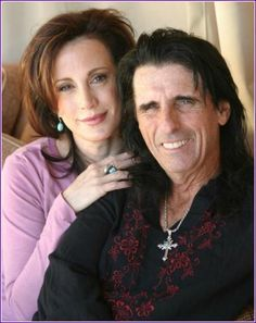 Alice Cooper now serving Christ - Here is the story! ~ I loved Alice Cooper in the 70's and 80's. My past is similar to his story. God is sooo amazing!! One touch from Him and you're never the same!