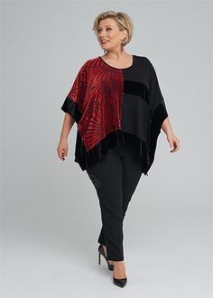 Kledingtips voor de kleine vrouw met maatje meer. Mode Plus, Well Dressed, Size Clothing, Plus Size Fashion, Nice Dresses, Cool Outfits, Curvy, Tunic Tops, Clothes For Women