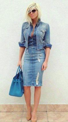 Outfits con faldas de mezclilla muy de moda