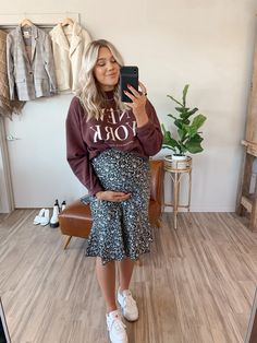 Casual Maternity Outfits, Maternity Skirt, Stylish Maternity, Maternity Wear, Modest Outfits, Spring Maternity Fashion, Winter Maternity Style, Winter Pregnancy Outfits, Cute Maternity Style