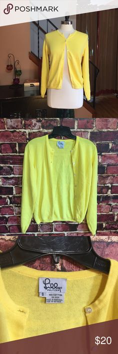 💜 Lilly Pulitzer yellow cotton cardigan sweater Size small. Button front. 100% cotton. EUC Lilly Pulitzer Sweaters Cardigans