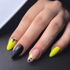 O-nails & Freelance Education. Diy Nails Manicure, Neon Nails, Yellow Nails, Creative Nail Designs, Creative Nails, Confetti Nails, Edge Nails, Square Nail Designs, Almond Acrylic Nails