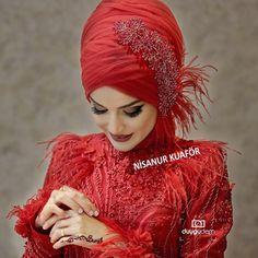 #gelinlikmodelleri #nişanlıkmodelleri #kaftan#kınalık#bindallı #türbantasarım @nsnur @gulsahnisanur #fotografia @demduygu Muslim Wedding Gown, Hijabi Wedding, Hijab Wedding Dresses, Hijab Bride, Dress Wedding, Beautiful Dress Designs, Most Beautiful Dresses, Hairstyle Trends, Moslem Fashion