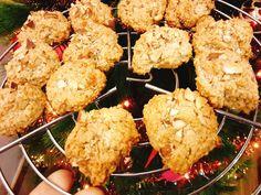 Biscoitos de Amêndoa São uns biscoitos mais robustos e daqueles ideais para acompanhar um belo chá. São muito saborosos e fáceis de f...