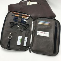 Mod 4 with Pencil 2 Insert in Bomber fits perfectly in the Framework Briefcase #tigmod #frameworkbriefcase #tigframework