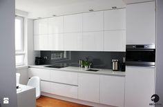 http://img.shmbk.pl/rimgsph/145151_d3148523-c15a-4ee4-91e5-28e6061a020c_max_900_1200_kuchnia-warszawa-srodmiescie-kuchnia-styl-minimalistyczny.jpg