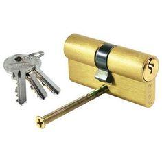 V našej ponuke nájdete viaceré bezpečnostné a cylindrické vložky do dverí viacerých rozmerov a od rôznych značiek ako sú FAB, SISO, HOBES alebo TESLA.Zadlabávací zámok a bezpečnostná cylindrická vložka do dverí nesmú chýbať.