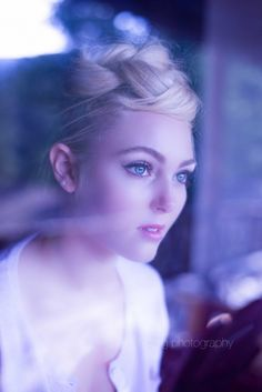 AnnaSophia's sweet blue-green eyes are exquisite examples of...of...um...uh...duh...I LOVE YOU, 'PHIA!!!