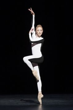 Sarah Lamb in Tetractys – The Art of Fugue, The Royal Ballet © ROH/Johan Persson, 2014 by Royal Opera House Covent Garden, via Flickr