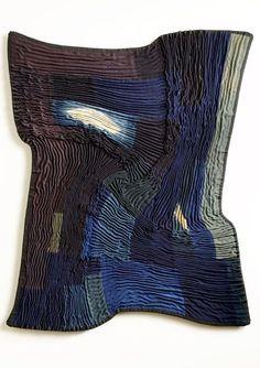 Frank Connet – Spiral Square #11. Sculpture textile. Les sculptures de Frank Connet mélangent les genres, les techniques et les matériaux. Entre tradition et réinvention, l'oeuvre de l