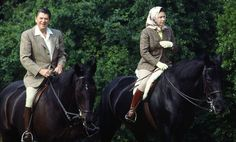 Queen Elizabeth and Ronald Reagan riding =New Photo Shows Queen Elizabeth Horseback Riding Like a Boss at 90 Show Queen, Queen Love, Elizabeth England, English Royal Family, Majestic Horse, Prince Phillip, Horse Photos, Queen Elizabeth Ii, Show Horses