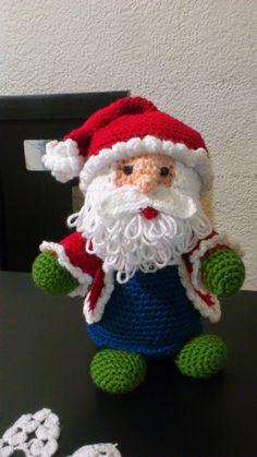 Amigurumi Santa Claus - FREE Crochet Pattern / Tutorial by delores Crochet Christmas Decorations, Christmas Crochet Patterns, Holiday Crochet, Christmas Knitting, Christmas Crafts, Santa Christmas, Crochet Santa, Love Crochet, Crochet Amigurumi Free Patterns
