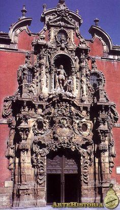 Fachada del Antiguo Hospicio de San Fernando, de Pedro de Ribera.