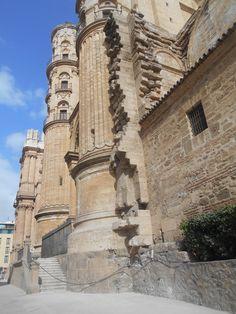Torreones del crucero de la fachada sur