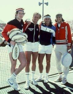 John McEnroe, Vitas Gerulaitis, Guillermo Vilas e Bjorn Borg. Atp Tennis, Tennis Workout, Tennis Gear, Tennis Clubs, Sport Tennis, Tennis Clothes, Tennis Players, Tennis Fashion, Sport Fashion