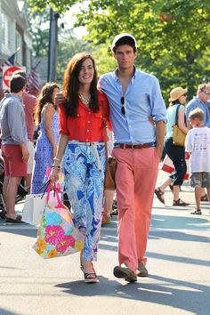 Outfit idea for July 4th weekend.   Classy Girls Wear Pearls: Edgartown 4th Of July Parade -Martha's Vineyard-