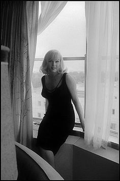 """Marilyn at the Mapes Hotel, Reno, Nevada, during the production of """"The Misfits"""". Photo by Inge Morath, Morath married Arthur Miller after he divorced Marilyn Monroe The Misfits, Marilyn Monroe, Joe Dimaggio, Catherine Zeta Jones, Inge Morath, Celebrity Gallery, Celebrity Pictures, Norma Jeane, Up Girl"""