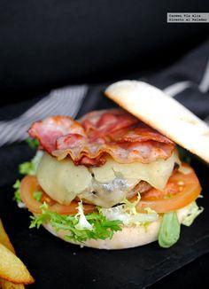 Qué ricas son las hamburguesas, ¿verdad? A mí me encantan y me resultan una comida muy equilibrada, muy fácil y muy rápida de preparar. Hace a...