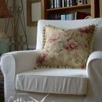 How To Sew A Throw Pillow Cover In 10 Easy Steps.. Oh, I can see the seasonal pillow covers happening already...