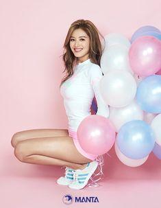 ( *`ω´) ιf you dᎾℕ't lιkє Ꮗhat you sєє❤, plєᎯsє bє kιnd Ꭿℕd just movє ᎯlᎾng. Pretty Korean Girls, Korean Beauty Girls, Beautiful Asian Girls, Asian Beauty, Asian Models Female, Asia Girl, Girl Bands, Body Inspiration, Korean Model