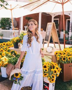 """Julia Engel (Gal Meets Glam) ( """"Found the sun after this morning's rainstorm. Happy to be in the Hamptons for the first time this…"""" Modest Dresses, Modest Outfits, Modest Fashion, Casual Dresses, Cute Outfits, Fashion Outfits, Summer Dresses, Fashion Tips, Fashion Design"""
