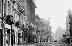 Calea Victoriei in afara timpului ilford 3 ianuarie — at Calea Victoriei. Frozen In Time, Beautiful Places, Puzzle, Street View, In This Moment, Adventure, Black And White, City, Photography