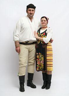 Ukraine, Folk Costume, Costumes, Folk Clothing, European Countries, Czech Republic, Faces, Embroidery, Fashion