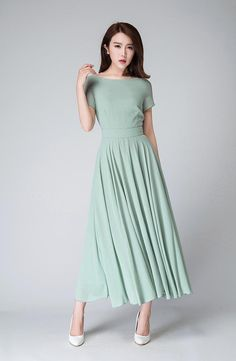 Mint green dress with classic fit, boatneck, cap sleeves | xiaolizi, via Etsy