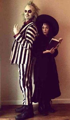 100 Best Couples Costumes, Matching Halloween Costumes & Funny His And Hers Costumes For 2018   YourTango Halloween 2018, Original Halloween Costumes, Cute Couple Halloween Costumes, Best Couples Costumes, Halloween Costume Contest, Disney Halloween, Diy Halloween Costumes, Halloween Cosplay, Cute Halloween