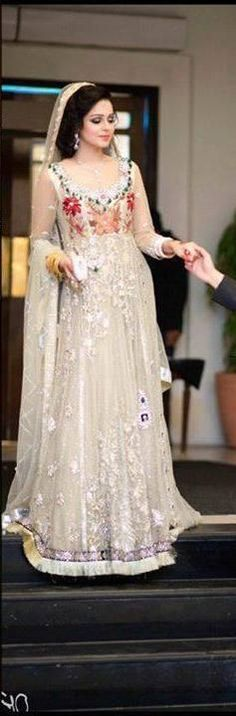 Latest Asian Fashion Engagement Dresses Designs Collection for Wedding Brides 2015-2016 (14)