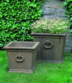 Bellagio Small Square Ring cast stone Planter made by Campania International