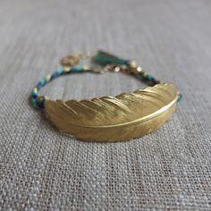 Bracelet Plume Doré Et Tresse Verte Et Marine
