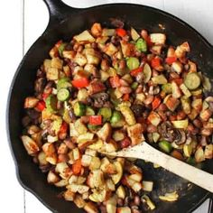 Bean, Potato, & Veggie Vegan Breakfast Hash You are here: / / Bean, Potato, & Veggie Vegan Breakfast HashDisclosure: This post may contain affiliate links that earn me a small commis Healthy Vegan Breakfast, Delicious Breakfast Recipes, Delicious Vegan Recipes, Healthy Recipes, Healthy Drinks, Healthy Food, Vegan Meat Recipe, Sante Plus, Breakfast Hash