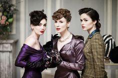 In het kostuumatelier van televisiedrama The Collection: 'We hopen dat de kostuums onze kijkers doen dromen'