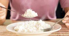 Jesz biały ryż zamiast ziemniaków bo chcesz schudnąć? To się nie uda! Arroz Al Curry, Menu Dieta, Le Chef, Coconut Flakes, Grains, Spices, Icing, Desserts, Food
