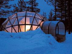 Stay in a Glass Igloo in Finland. Located in the wilderness near Finland's Urho Kekkonen National Park, the Igloo Village of Hotel Kakslauttanen offers a crystal clear view of the Northern lights and stars, all while comfortably relaxing in your room. Igloo Hotel Finland, Glass Igloo Finland, Igloo Village, Village Hotel, Santa's Village, Glass Igloo Hotel, Un Igloo, Unique Honeymoon Destinations, Honeymoon Ideas