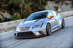 La #Seat Leon Cup Racer que l'on a pu voir au Festival de vitesse de GoodWood ! Brown Leather Recliner Chair, Swivel Rocker Recliner Chair, Adirondack Chair Cushions, Plastic Adirondack Chairs, Automobile, Ergonomic Kneeling Chair, Stools With Backs, Garden Table And Chairs, Butterfly Chair