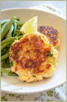Une recette que les enfants adorent : croquettes de poisson. Assez proche des croquettes de poisson que j'avais réalisées ici. Je vous propose aujourd'hui la recette des Crocq' saumon de Jamie Oliver (cf Magazine N°1). J'ai simplement modifié la recette...