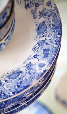 We are a South African ceramics studio based in Cape Town specialising in Bespoke dinnerware for restaurants, chefs, shops, game farms, boutique hotels and individuals. All our dinnerware and ceramics are handmade.